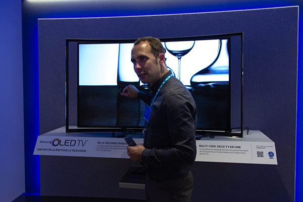 Samsung : Jérome nous vante les mérites de la TV OLED