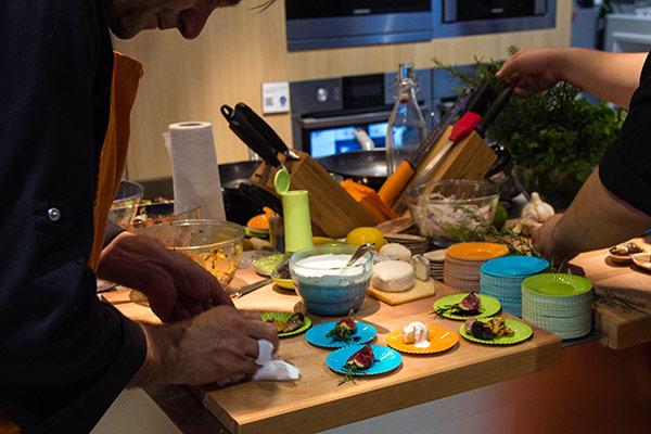 Samsung : Le chef aux petits soins du buffet