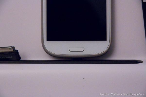 Dock smartphone et tablette : problème de cable