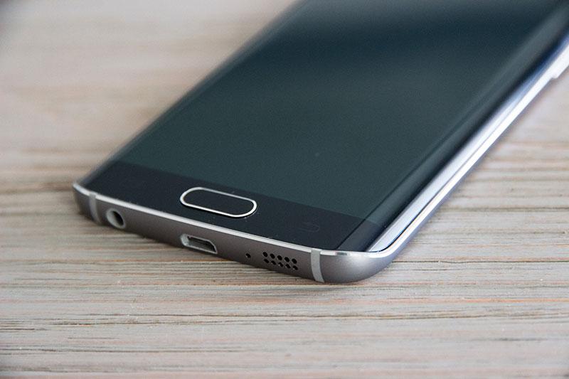 Samsung Galaxy S6 Edge : l'alliance du verre et de l'aluminium