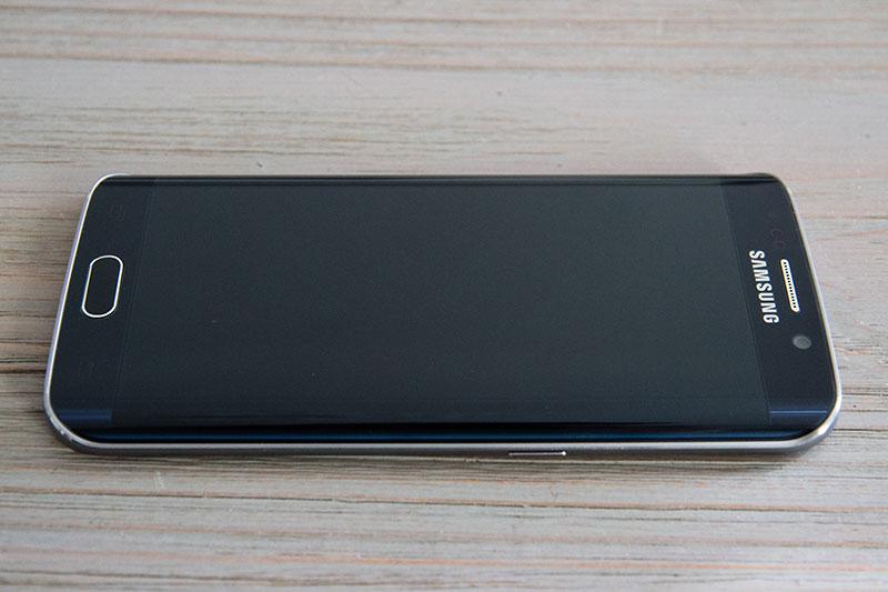 Samsung Galaxy S6 Edge : un design réussi